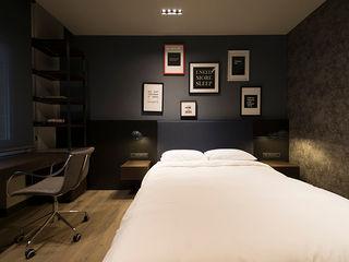 Reformar una Suite juvenil en Sarrià Sant Gervasi, Barcelona. ETNA STUDIO DormitoriosCamas y cabeceros Gris