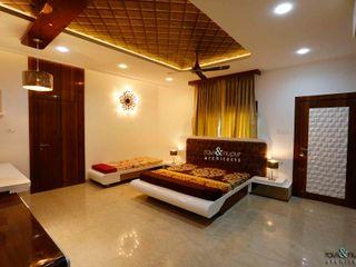 RAVI - NUPUR ARCHITECTS Dormitorios de estilo moderno Beige