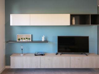 Agence ADI-HOME Ruang Keluarga Gaya Skandinavia Komposit Kayu-Plastik Blue