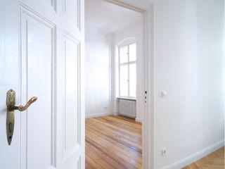 Komplettsanierung einer 3-Zimmer-Altbauwohnung in Berlin Holzeco GmbH   Haus- & Wohnungssanierung   Komplettsanierung von A - Z Klassische Wohnzimmer