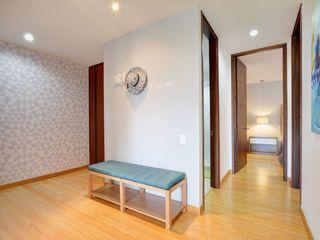 Natalia Mesa design studio Modern Corridor, Hallway and Staircase