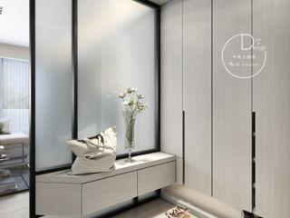 沉靜淺灰元素 自然人文宅邸 - 惠宇清朗 木博士團隊/動念室內設計制作 現代風玄關、走廊與階梯 複合木地板 White