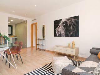 Markham Stagers Ruang Keluarga Modern