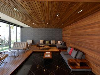 Motama Interiors and Exteriors Parede e pisoRevestimentos de parede e pavimentos Madeira maciça