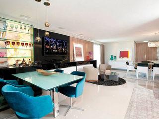 Apartamento em Fortaleza com vista para o mar RI Arquitetura Salas de estar modernas