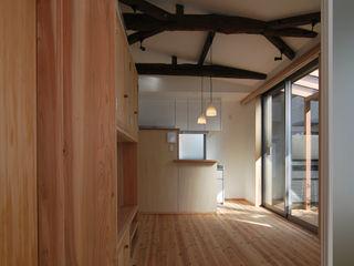 原 空間工作所 HARA Urban Space Factory Minimalistische Wohnzimmer