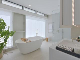 Show home Bathroom Graham D Holland Modern Bathroom