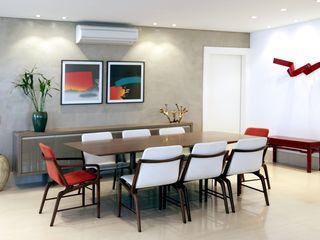Adriana Scartaris: Design e Interiores em São Paulo غرفة السفرة خشب Grey