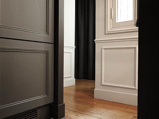 Créateurs d'Interieur モダンスタイルの 玄関&廊下&階段