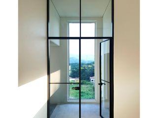 WITHJIS(위드지스) Portas de vidro Alumínio/Zinco Preto