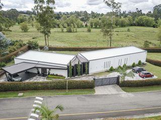 Hincapie Idarraga Estudio Country house White