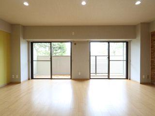 京都の風景を楽しむ空間 株式会社井蛙コレクションズ 北欧デザインの リビング