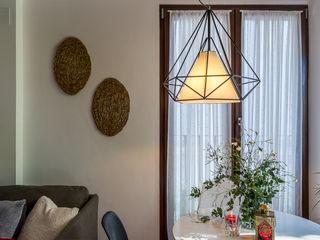 Home & Haus   Home Staging & Fotografía غرفة المعيشة Grey