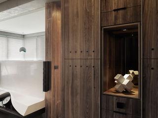 返 - 新北徐宅 形構設計 Morpho-Design 現代風玄關、走廊與階梯