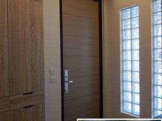 四十五年壁癌老屋變身日式人文宅 木博士團隊/動念室內設計制作 隨意取材風玄關、階梯與走廊