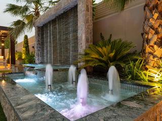 Mudon Villa Dubai Hortus Landscaping Works LLC Modern style gardens