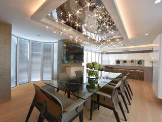 Mr & Mrs Unsworth Diane Berry Kitchens Built-in kitchens Glass Metallic/Silver