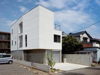 hm+architects 一級建築士事務所 Окремий будинок Бетон Білий