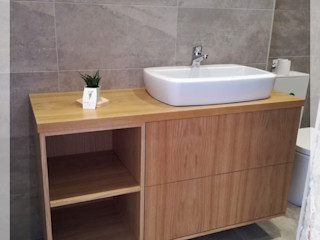 WOOD TAILORS - Boutique de Projectos de Carpintaria Ванная комната в стиле модерн