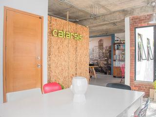 Constructora e Inmobiliaria Catarsis Oficinas y Tiendas Aglomerado Blanco