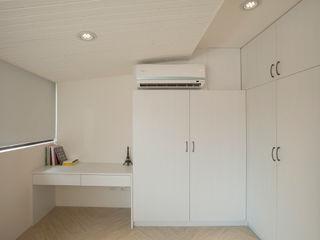居家輕工業 鈊楹室內裝修設計股份有限公司 書房/辦公室