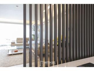 WITHJIS(위드지스) Salas de jantar modernas Alumínio/Zinco Castanho
