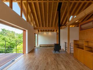 伊東亮一建築設計事務所 Eclectic style living room Wood