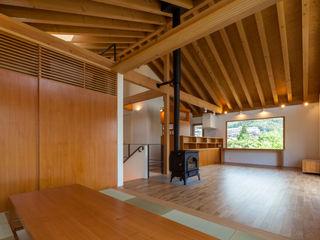 伊東亮一建築設計事務所 Eclectic style dining room Wood