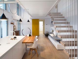 Wireless House tIPS ARCHITECTS Cucina minimalista