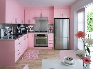 كاسل للإستشارات الهندسية وأعمال الديكور والتشطيبات العامة Kitchen units MDF Pink