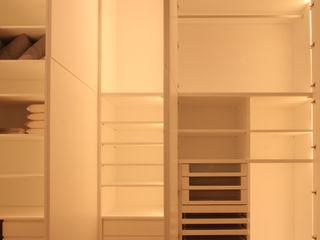 Casa in centro storico Imperatore Architetti Camera da letto moderna