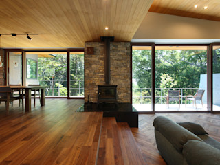 Studio tanpopo-gumi 一級建築士事務所 Modern living room
