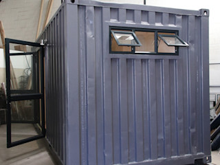 Bachelor container home ContainaTech Minimalist house