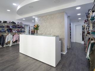 YS PROJECT DESIGN Moderne Geschäftsräume & Stores MDF Grau