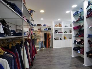 YS PROJECT DESIGN Moderne Ladenflächen Weiß
