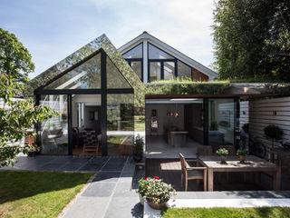 Mirror House Red Squirrel Architects Ltd Rumah Modern