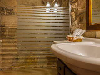 Fotografía en Hotel rural Lares Home Staging - Photography Baños de estilo rústico