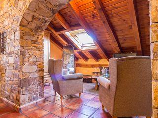Fotografía en Hotel rural Lares Home Staging - Photography Dormitorios de estilo rústico