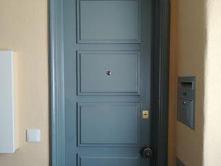 Happy Ideas At Home - Arquitetura e Remodelação de Interiores Pasillos, vestíbulos y escaleras de estilo moderno