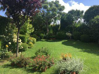 Jardinería en Baix Llobregat, Barcelona De buena planta Jardines de estilo moderno