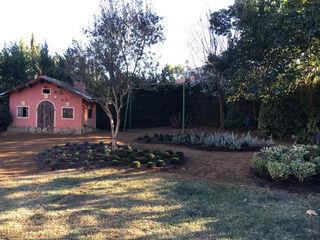 Jardín en Sant Cugat, Barcelona De buena planta Jardines de estilo mediterráneo