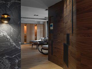 宸域空間設計有限公司 Corredores, halls e escadas modernos Efeito de madeira