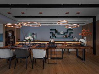 宸域空間設計有限公司 Salas de jantar modernas