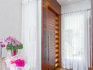 Samantha Sato Designer de Interiores Couloir, entrée, escaliers modernes Blanc