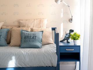 Dormitorio infantil y cuarto de baño azul en reforma integral de vivienda en Bilbao centro Sube Interiorismo Habitaciones de niños Azul