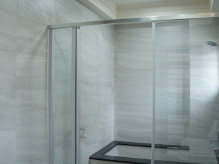 三樓主臥浴室 houseda 浴室 磁磚 White