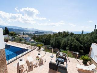 Home & Haus | Home Staging & Fotografía Mediterranean style balcony, veranda & terrace
