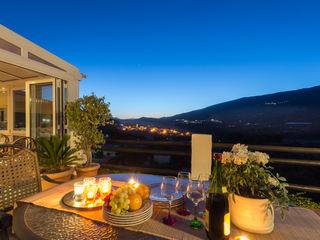 Home & Haus | Home Staging & Fotografía Rustic style balcony, veranda & terrace