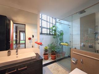 Kembhavi Architecture Foundation Baños de estilo moderno