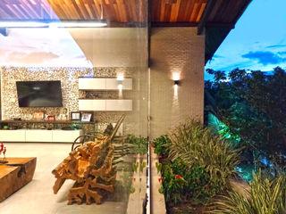 Arquitetura Sônia Beltrão & associados Moderne Wohnzimmer Holz Weiß